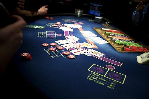 Je libo poker nebo blackjack?