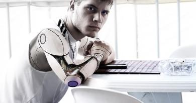 V budoucnosti se budeme milovat s roboty