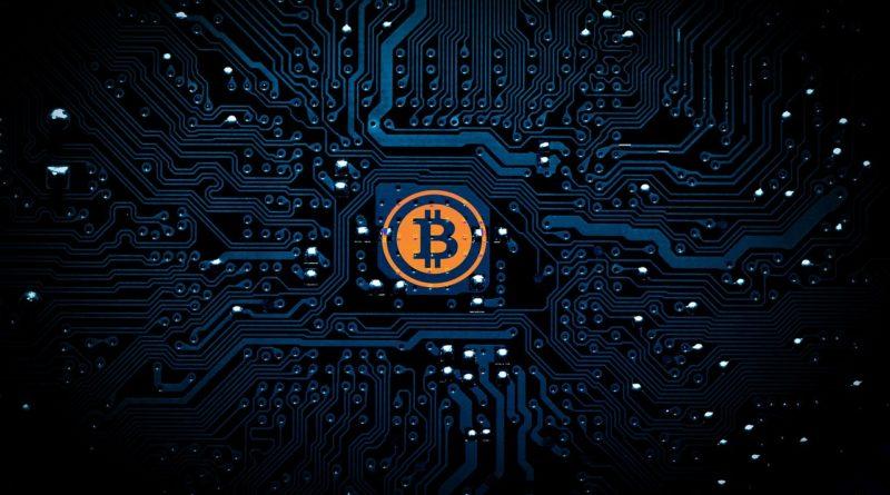 Bitcoin stále roste. Nyní je jeho hodnota kolem 25 tisíc korun