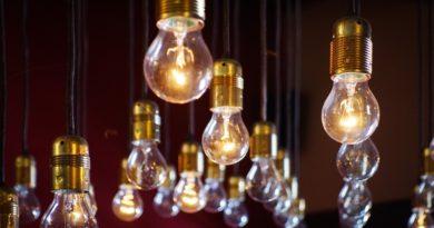 Jak zredukovat výdaje za elektřinu na nezbytné minimum