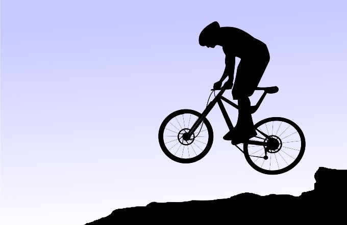 Černá skříňka už i v helmě na kolo