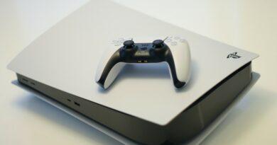 Stojí za to si pořídit PS4, když je na trhu pětka?